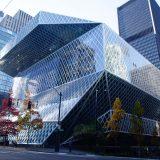 読書の街・シアトルに現れる衝撃的なレム・コールハース率いるOMA設計の中央図書館。