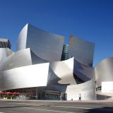 フランク・O・ゲーリーの衝撃的建築「ウォルト・ディズニー・コンサートホール」